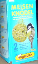 Für die hungernden Vögel im Winter